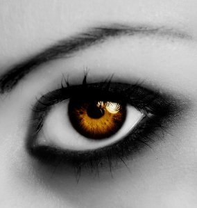 amber_eyes_by_julyfriday-d1m0t95