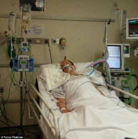 294ad4d200000578-3108186-stacey_pictured_in_a_coma_in_hospital_was_at_a_friend_s_flat_whe-a-12_1433320533560
